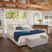 Hanos Fully Upholstered Natural Fabric Full Bed Set